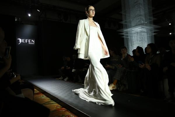 JEFEN 2019春夏系列发布会秀场掠影